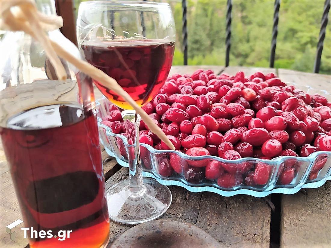 Αγαπημένο παραδοσιακό λικέρ από κράνα (ΦΩΤΟ)