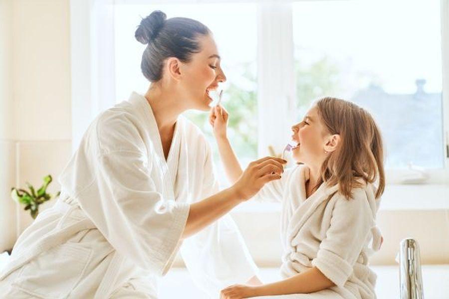 Πως να μάθετε στο παιδί σας να φροντίζει τη στοματική του υγιεινή