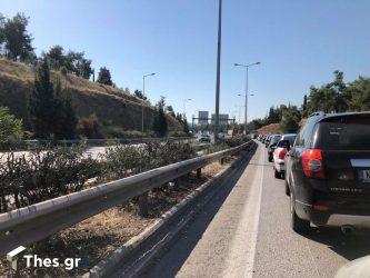 Εργασίες συντήρησης – αποκατάστασης μεταλλικών στηθαίων στην Εθνική Οδό Θεσσαλονίκης- Νέων Μουδανίων