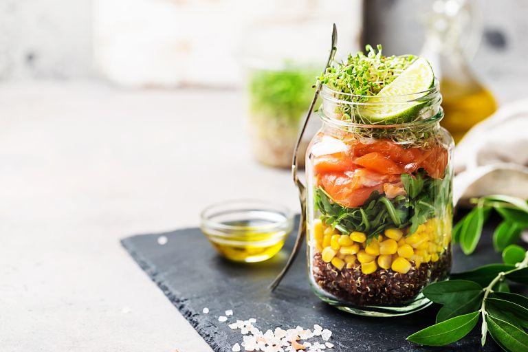 Η σαλάτα σε βάζο είναι η νέα διατροφική τάση (BINTEO)