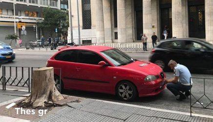 """Θεσσαλονίκη: """"Σκούπα"""" της Τροχαίας στα παράνομα παρκαρισμένα αυτοκίνητα (ΦΩΤΟ)"""