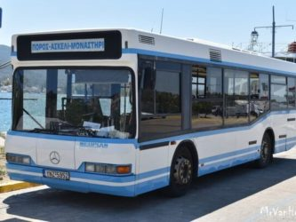 Τουρίστες άρπαξαν λεωφορείο κι έκανα βόλτα γυμνοί στον Πόρο