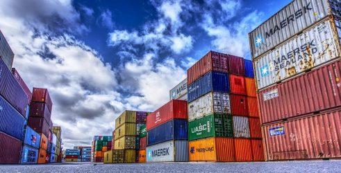 Νέο ρεκόρ το πρώτο πεντάμηνο του έτους για τις ελληνικές εξαγωγές