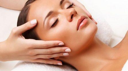 Τι είναι το face massage και πως βοηθά στη μείωση των ρυτίδων