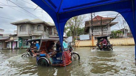 Φιλιππίνες: Πάνω από 70.000 άνθρωποι στο δρόμο από τον Tυφώνα Μολάβε