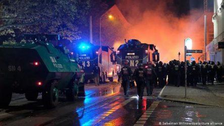 Γερμανία: Διαδηλώσεις κατά της μάσκας