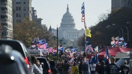 ΗΠΑ: Υποστηρικτές του Τραμπ κατέκλυσαν τους δρόμους! (ΒΙΝΤΕΟ)