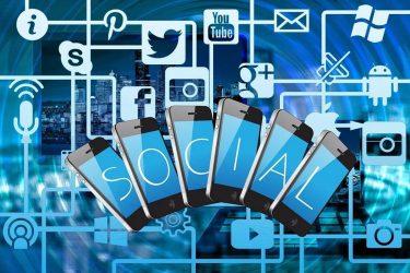 Τα 8 σημάδια που δείχνουν πως πρέπει να μειώσετε τα social media