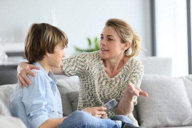Τα θέματα που πρέπει να συζητήσετε με το παιδί σας για την ασφάλεια του