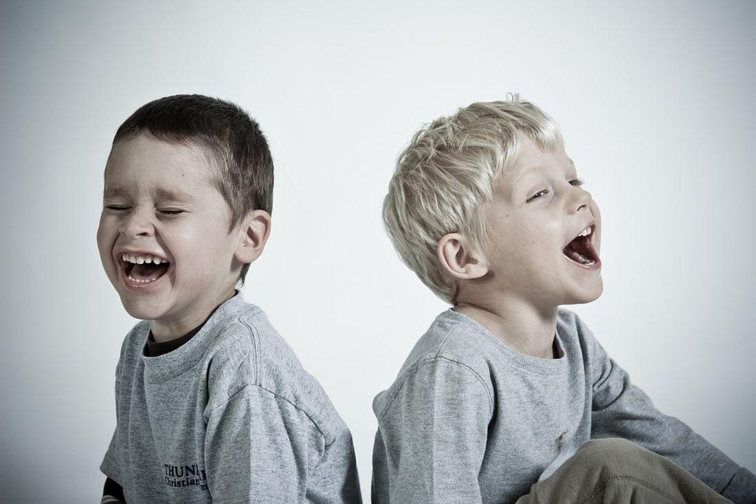 αδελφάκια αδέλφια παιδιά