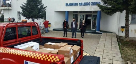 Δύο φορτηγά με αγαθά παρέδωσε ο δήμος Καλαμαριάς στο Ελληνικό Παιδικό Χωριό