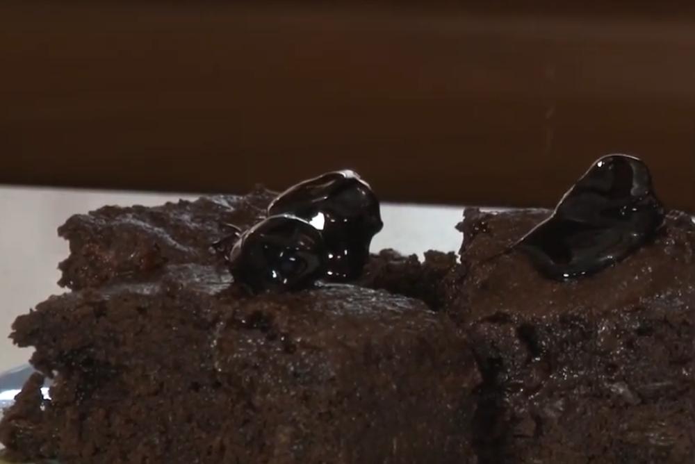 κέικ με σταφίδες αφοι κεραμάρη μαννα αλεύρι