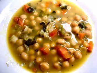 παραδοσιακή ρεβιθάδα ρεβίθια σούπα