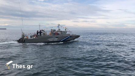 Χαλκιδική: ΙΧ έπεσε στη θάλασσα στο Πόρτο Κουφό – Δε βρέθηκαν επιβαίνοντες