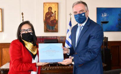 Ο Σταύρος Καλαφάτης υποδέχθηκε την πρόξενο των ΗΠΑ στην Θεσσαλονίκη