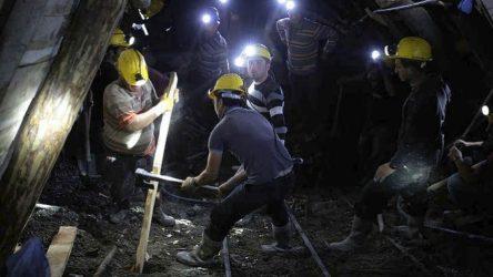 Κίνα: Παγιδευμένοι εργάτες χρυσωρυχείου έστειλαν γραπτό μήνυμα