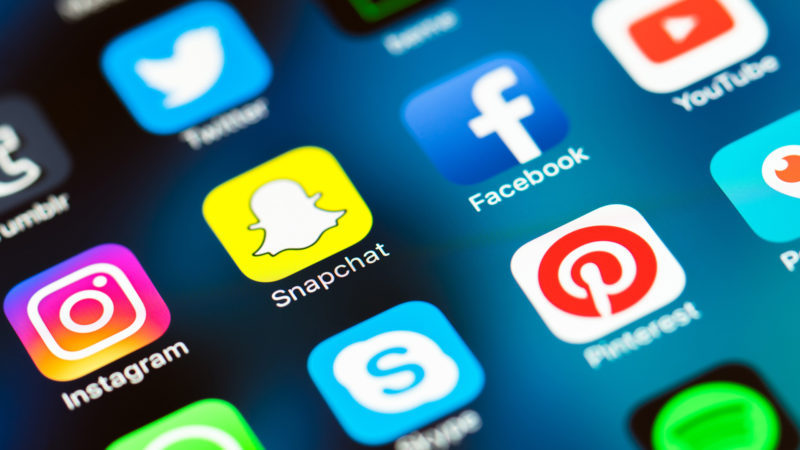 social media Facebook κοινωνικά δίκτυα