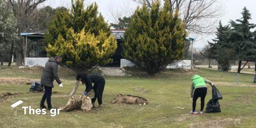 Εθελοντές καθάρισαν παραλίες της Επανομής (ΒΙΝΤΕΟ & ΦΩΤΟ)