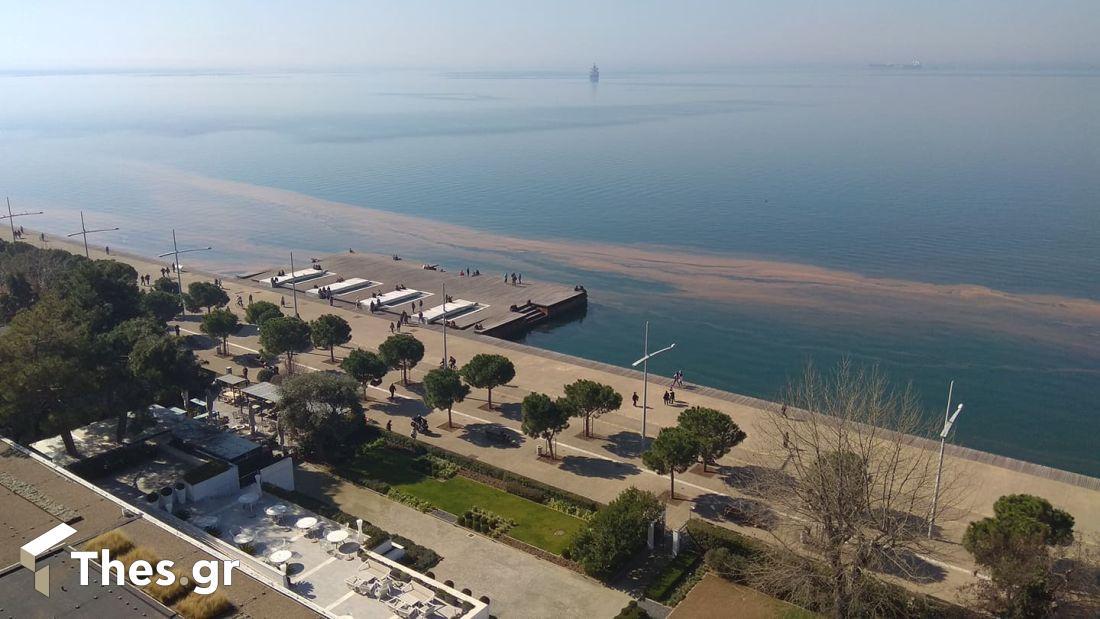 Θεσσαλονίκη παραλία κόκκινη παλίρροια