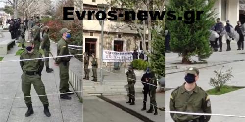 Εβρος: Συγκέντρωση και… ρίψη αυγών στην υποδοχή Μηταράκη (ΒΙΝΤΕΟ)