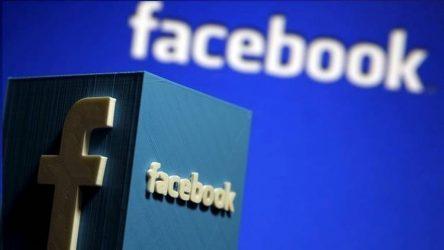 """Ξέσπασε """"πόλεμος"""" ανάμεσα σε Facebook και Apple για τα δεδομένα των χρηστών"""