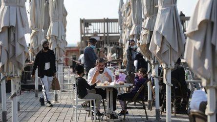 Τελ Αβιβ: Προσφέρουν πίτσα, γλυκά και καφέ στα εμβολιαστικά κέντρα