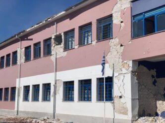 """Σεισμός Ελασσόνα: """"Θεέ μου, κάνε ακόμη 30 δευτερόλεπτα να αντέξει το κτίριο"""""""