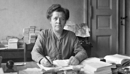 Λουίζε Τσιτς: Μια πρωτοπόρος που έβαλε τα θεμέλια για τα δικαιώματα των γυναικών