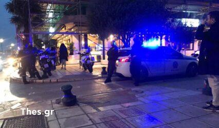 """Βόλος: Τραυματίστηκε αστυνομικός σε """"πόλεμο"""" με καρέκλες μέσα σε κατάστημα"""