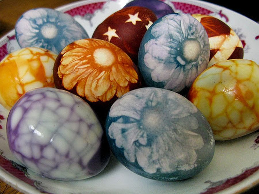 πασχαλινά αυγά με βότανα και λουλούδια