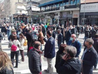«Θέλουμε να ανοίξουμε» – Εντονες κινητοποιήσεις από τους εμπόρους στην Κοζάνη (ΒΙΝΤΕΟ & ΦΩΤΟ)