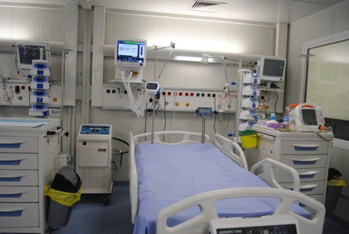 Κορονοϊός: Σοκάρουν οι μαρτυρίες γιατρών που νόσησαν – «Με σέρνανε, δε μπορούσα καν να σταθώ» (ΒΙΝΤΕΟ)