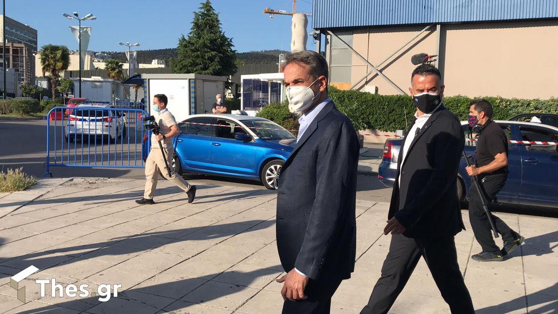 ο πρωθυπουργός Κυριάκος Μητσοτάκης στο εμβολιαστικό κέντρο στη ΔΕΘ