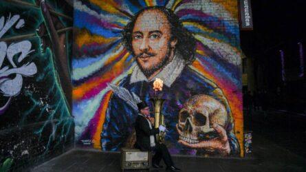 Παρουσιάστρια…. πέθανε ξανά τον Ουίλιαμ Σαίξπηρ (ΒΙΝΤΕΟ)