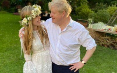 Η γυναίκα του Μπόρις Τζόνσον φόρεσε νυφικό Ελληνα σχεδιαστή