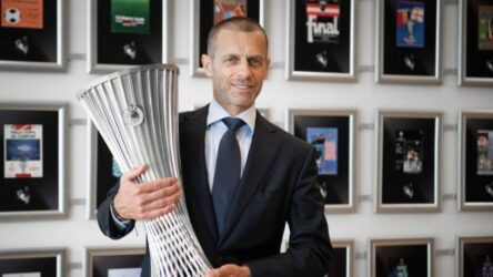 UEFA: Παρουσίασε το τρόπαιο του Europa Conference League