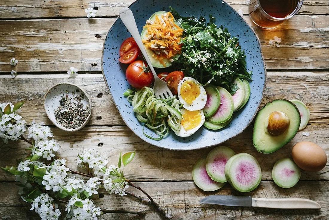 βραστά αυγά που περίσσεψαν συνταγές