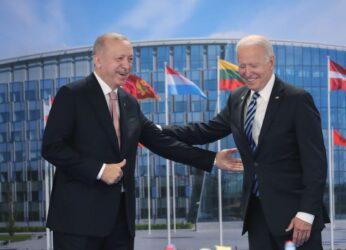 Χαμόγελα και καλό κλίμα στη συνάντηση Ερντογάν – Μπάιντεν