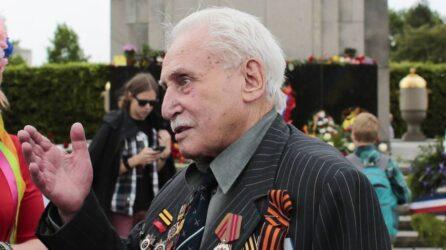 Ντέιβιντ Ντούσμαν: Εφυγε από τη ζωή ο τελευταίος επιζών απελευθερωτής του Αουσβιτς