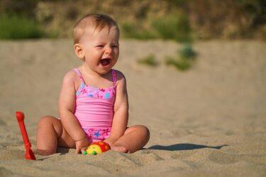 Οι τρόποι για να προστατέψετε το μωρό σας από τον καλοκαιρινό ήλιο