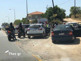 Θεσσαλονίκη: Σύγκρουση ΙΧ με μηχανή στην κατηφόρα της Καρδίας – Ενας τραυματίας
