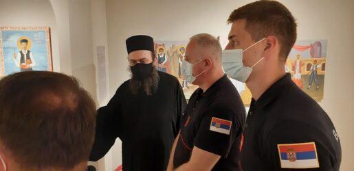 Σε Θεσσαλονίκη και Αγιο Ορος ο Σέρβος πυροσβέστης που πήρε το περιβραχιόνιο του Ρονάλντο κι έδωσε ελπίδα σε βρέφος