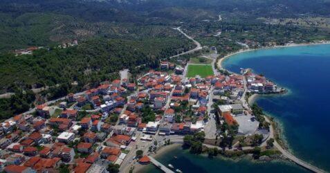 Χαλκιδική: Ο γραφικός Νέος Μαρμαράς από ψηλά (ΒΙΝΤΕΟ με drone)