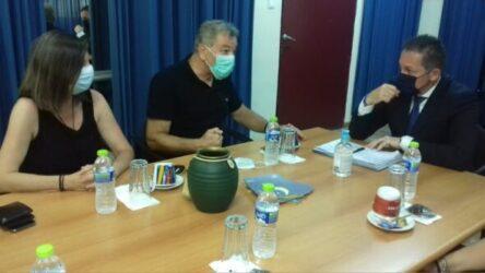 Για την προώθηση των εμβολιασμών στην Θέρμη ο Στέλιος Πέτσας