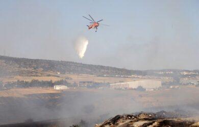 Φωτιά στο Ωραιόκαστρο: Και εναέριο μέσo στη μάχη – Ενισχύθηκαν οι πυροσβεστικές δυνάμεις (ΦΩΤΟ)