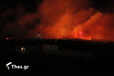 Χαλκιδική: Φωτιά ξέσπασε στην Φούρκα – Απομακρύνονται παραθεριστές (ΒΙΝΤΕΟ)