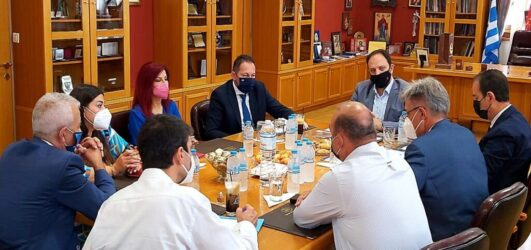 Στο δημαρχείο Καλαμαριάς ο Στέλιος Πέτσας – Τα θέματα που συζητήθηκαν
