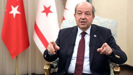 Προκαλεί και πάλι ο Τατάρ: «Η Κύπρος θα πρέπει να μεταβιβαστεί στην Τουρκία»