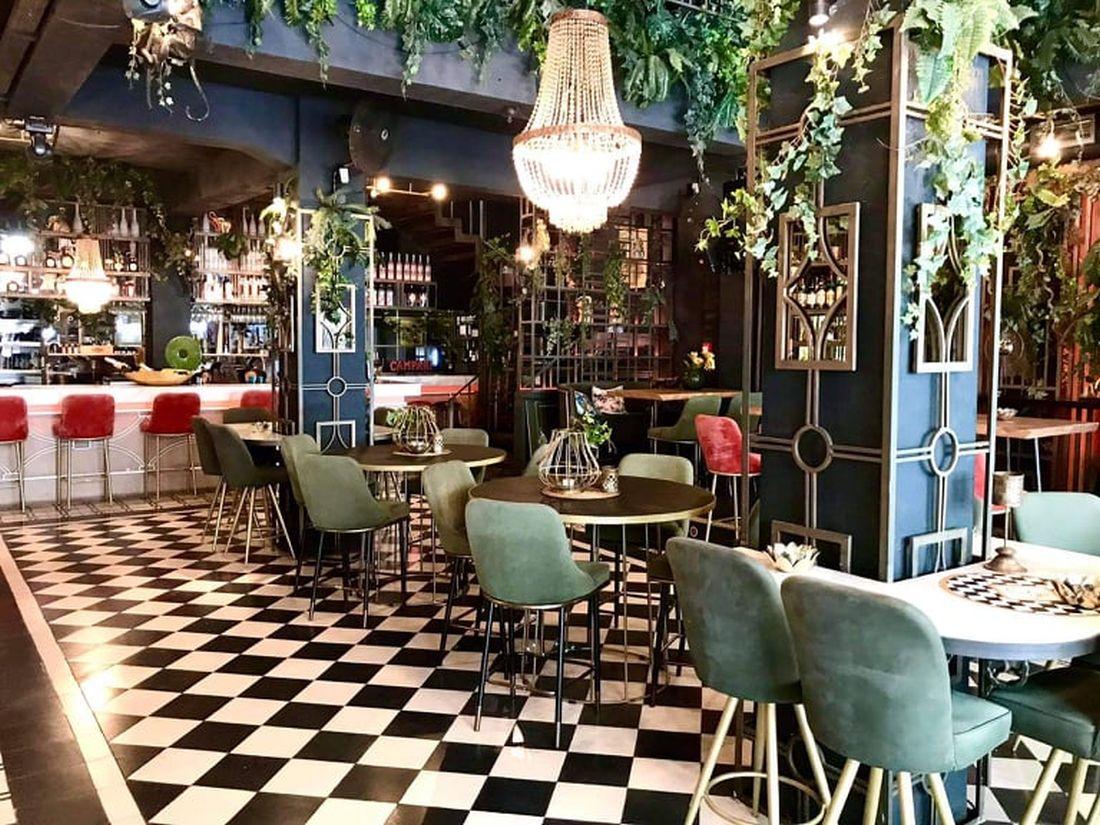Chilai wine restaurant bar Πλατεία Εμπορίου Θεσσαλονίκη Αγίου Μηνά 4