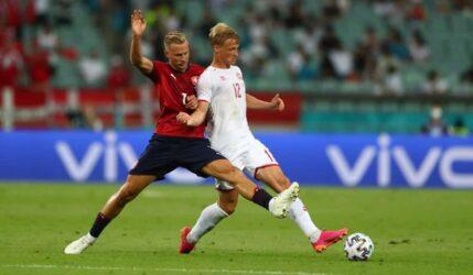"""Euro 2020: Η Δανία ζει μέρες του 1992 – Κέρδισε την Τσεχία με 2-1 και πέρασε στους """"4"""""""